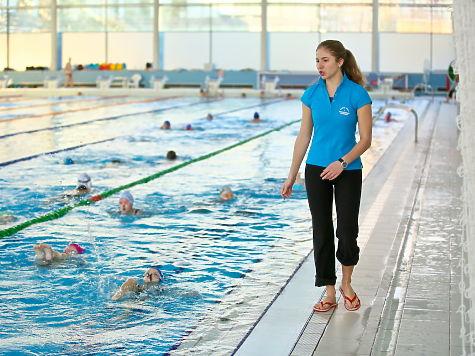 девка потрахалась с тренером по плаванию фото