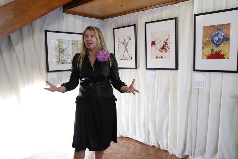 В «Ласточкином гнезде» проводится выставка графики Сальвадора Дали