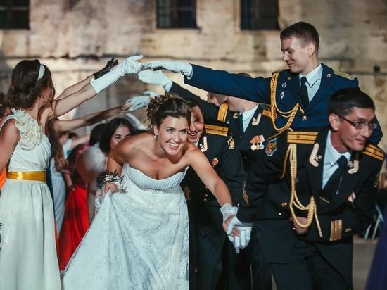 Под небом Севастополя 11 июня вновь закружатся в танце пары