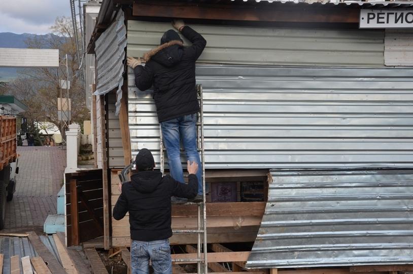 Демонтаж незаконных объектов активизировался вЯлте после визита Аксёнова
