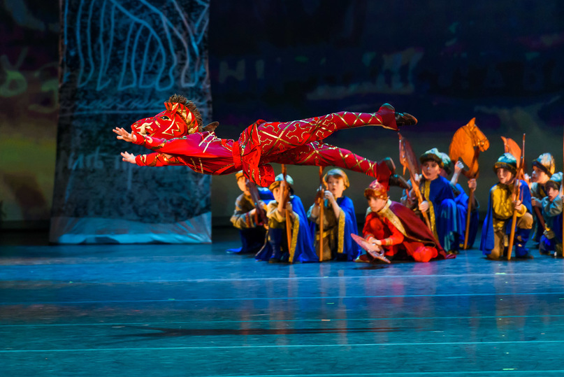 Туляки увидели гала-спектакль «Князь Владимир Красно Солнышко. Искание окнязе Владимире»